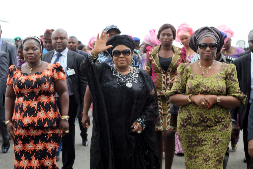Mrs. Jonathan flanked by Mrs. Amaechi and the First Lady of Bayelsa State during Mrs. Jonathan's visit to Port Harcourt after the death of her mother.