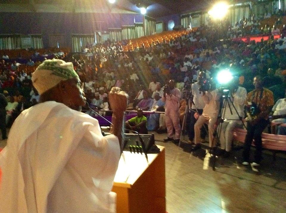 Governor-Aregbesola-addressing-the-audience-in-Oudiwa-hall-Obafemi-Awolwo-University-Ile-Ife-recently