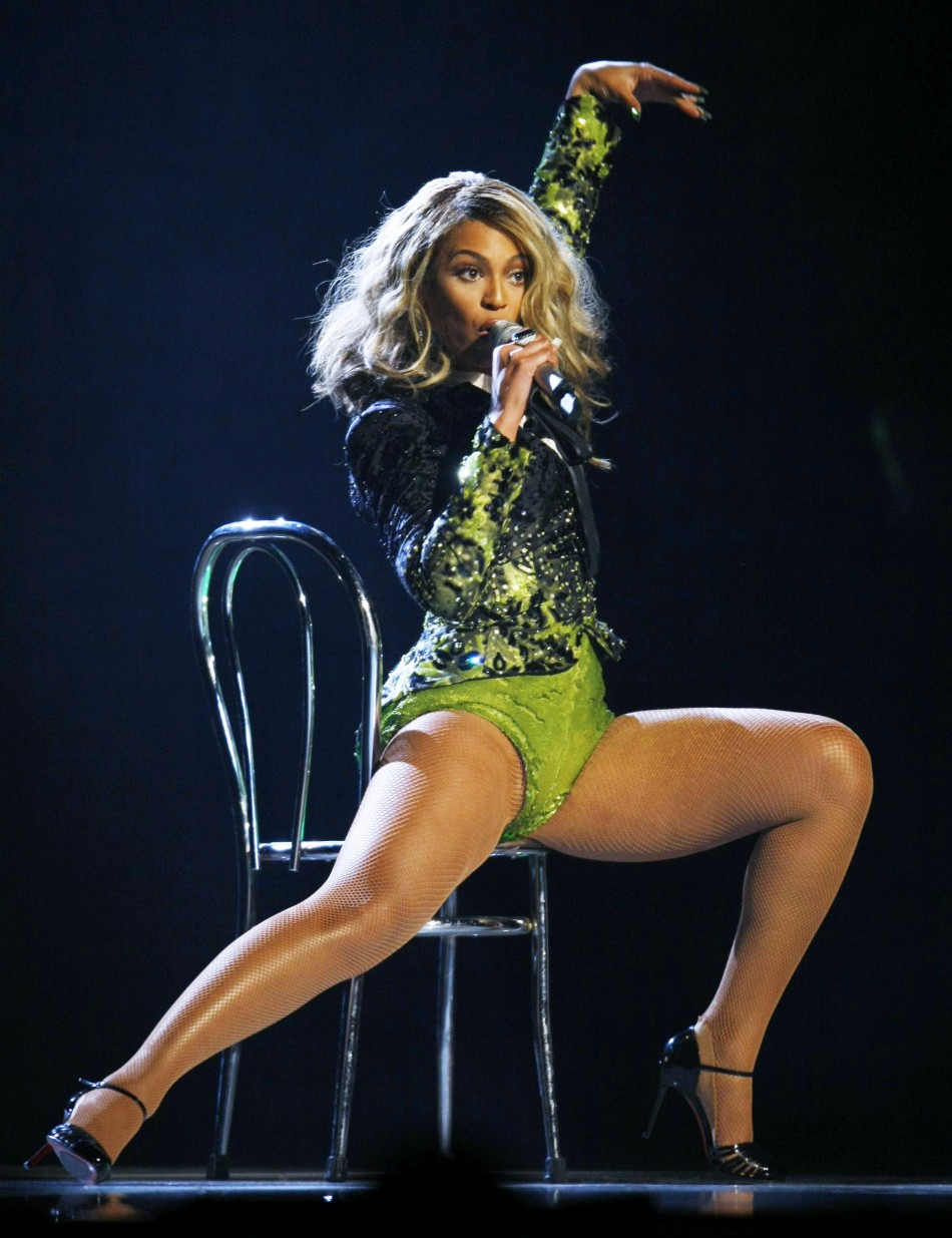 Beyonce performs