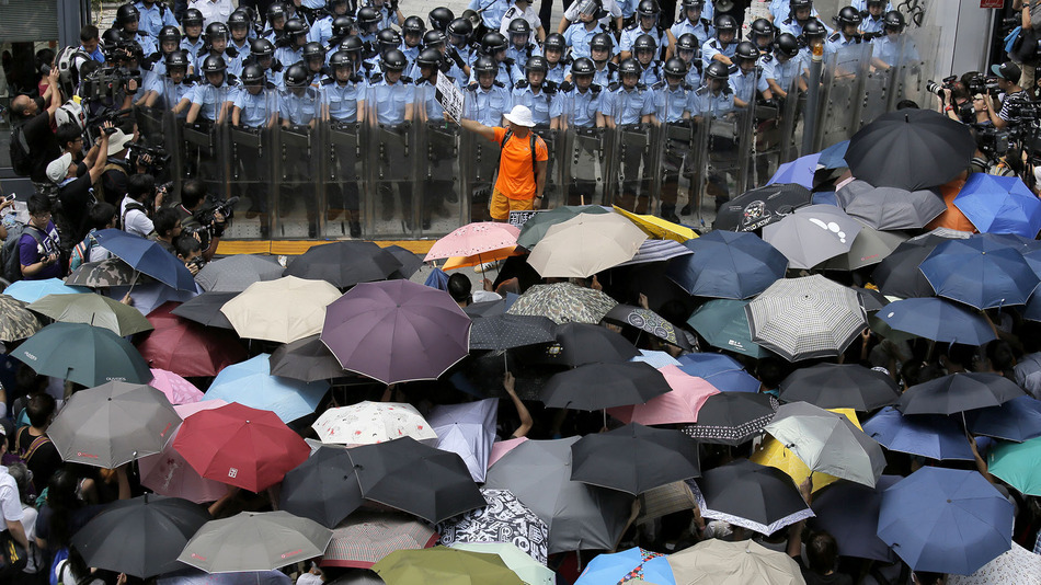 http://newsrescue.com/wp-content/uploads/2014/10/umbrella-revolution.jpg