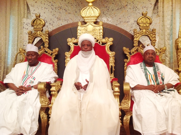 Pic.1. From Lelt: President Goodluck Jonathan; Sultan Of Sokoto, Alhaji Saad Abubakar III And Vice President Namadi Sambo, During The President's Visit To The Sultan In Sokoto On Monday (19/1/15). 7024/18/1/2015/ag/jau/NAN