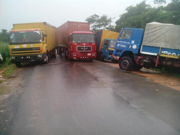 Fayose uses trailers to block highway
