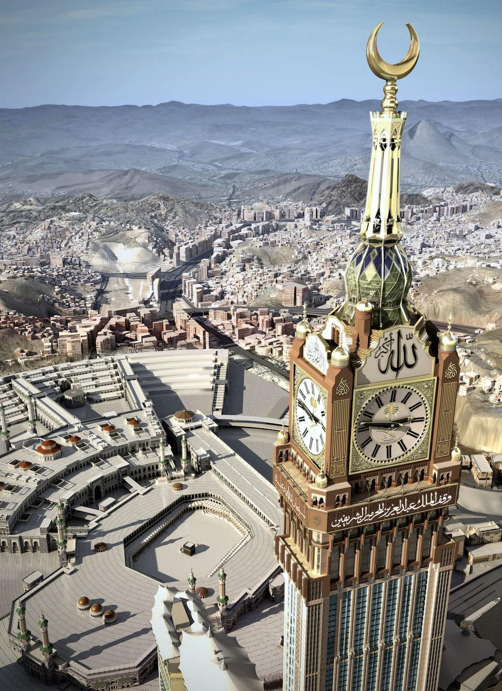 """Devil's Horn"" clock in Saudi Arabia dwarfs Kaaba"