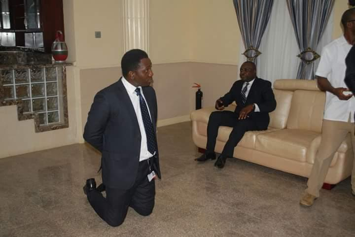 Alleged images of Zenith bankers kneeling for governor Fayose