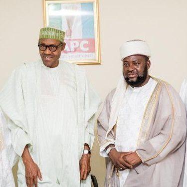 Nigeria's president Muhammadu Buhari  stands with radical Izala wahhabi sect leader Bala Lau, April 2015