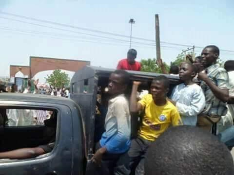 Takfiri terrorist youth transported by Kaduna police to kill Shia Muslims